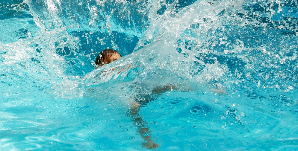 Big Splash in a Pool